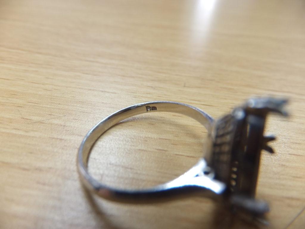 Pm刻印 プラチナ指輪 石外れ