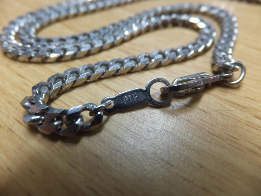 PTP刻印のメッキ品ネックレス シルバーカラー