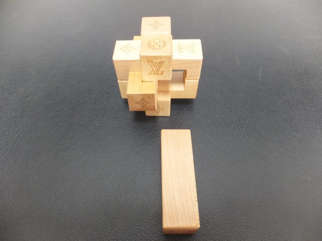 ②Louis Vuitton(ルイヴィトン) ノベルティ品 積み木パズル パテキ