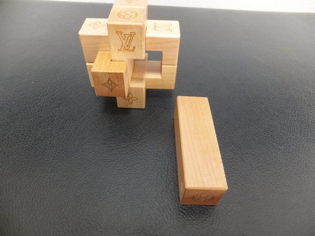 ⑩Louis Vuitton(ルイヴィトン) ノベルティ品 積み木パズル パテキ