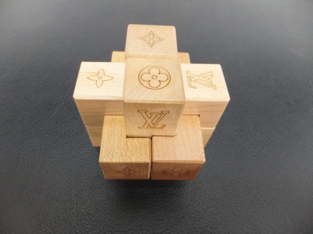 ⑪Louis Vuitton(ルイヴィトン) ノベルティ品 積み木パズル パテキ